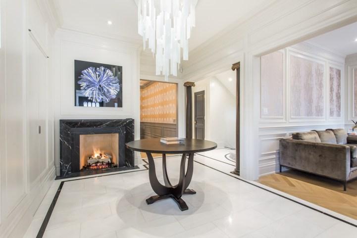 181 Crescent Road - Foyer