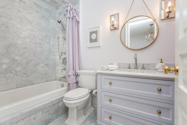 181 Crescent Road - Lavendar Bathroom