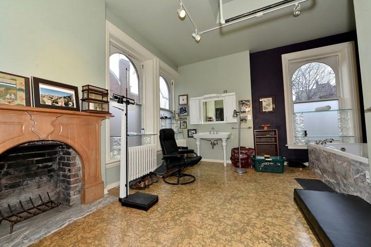 32 Beaty Avenue - Bathroom