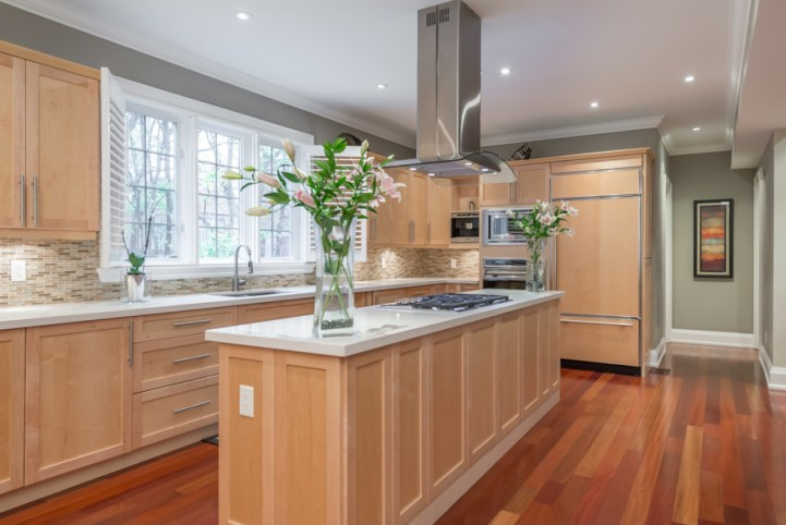 362 Bessborough Drive - Kitchen Island