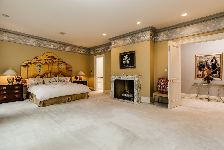 37 Edgehill Road - Bedroom Fireplace