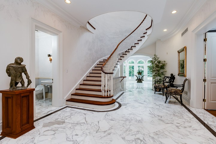 37 Edgehill Road - Master Staircase