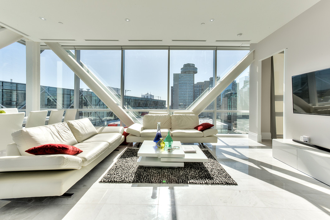 Sleek Lakeview Penthouse At 39 Queens Quay East Better