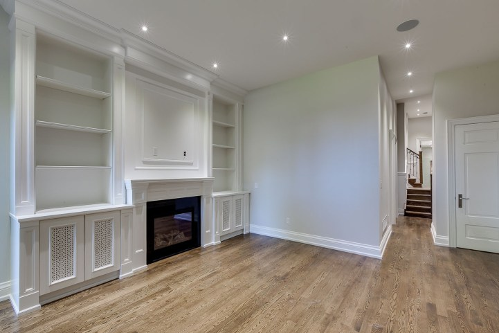 390 Brookdale Avenue - Family Room Entry