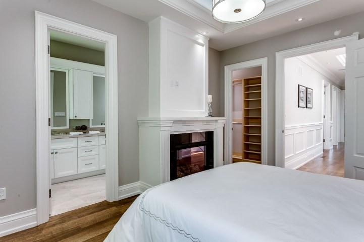 390 Brookdale Avenue - Master Bedroom Towards Closet