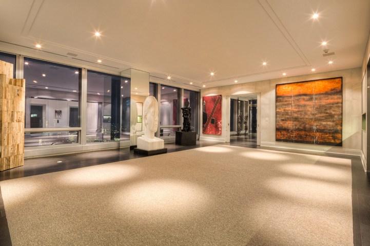 #5002 - 50 Yorkville Avenue - Living Room
