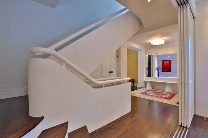 91 Crescent Road - Main Staircase