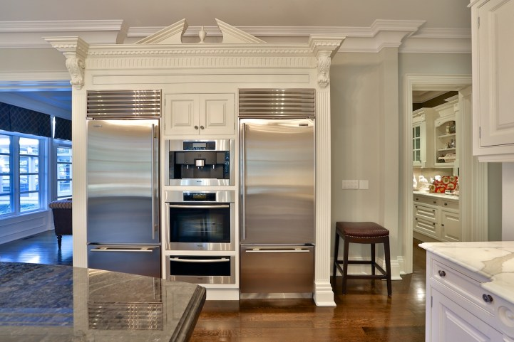 12 The Bridle Path - Kitchen Appliance Wall