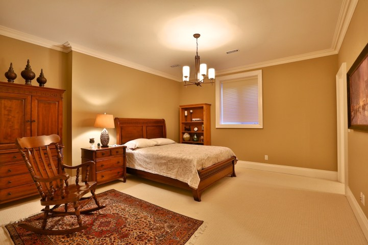 12 The Bridle Path - Small Bedroom