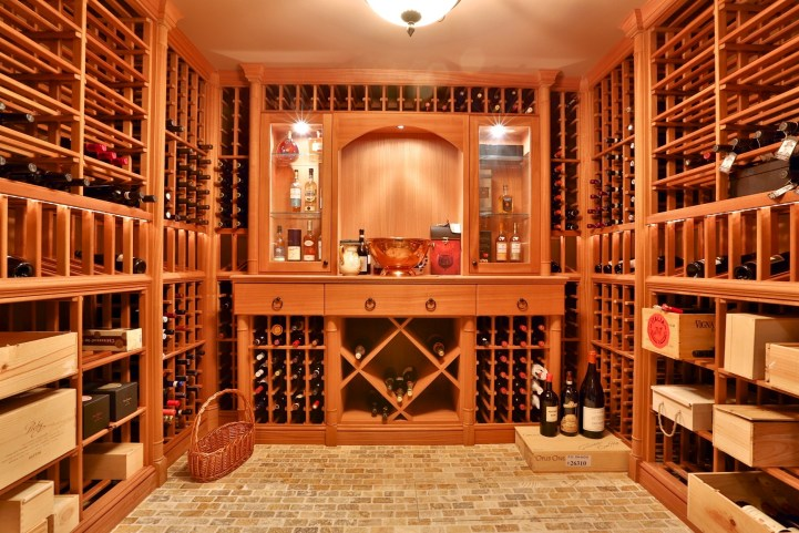 12 The Bridle Path - Wine Cellar