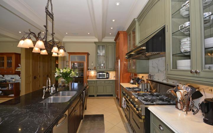 20 Elm Avenue - Kitchen Behind Island
