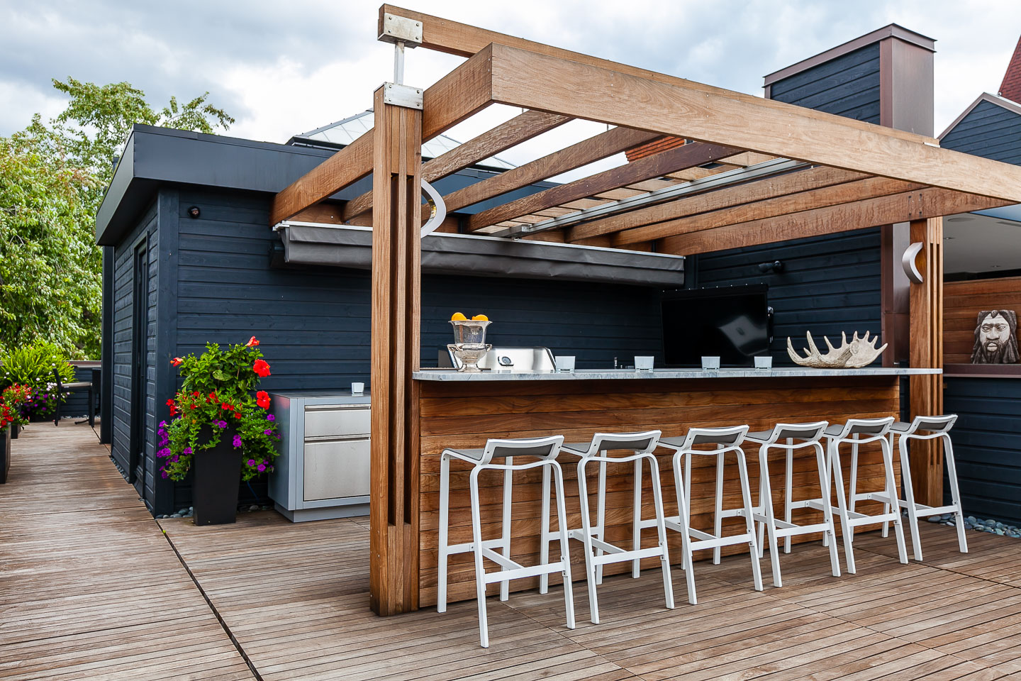 314 Palmerston Blvd - Rooftop Patio Bar | Better Dwelling on Backyard Bar With Roof id=82495