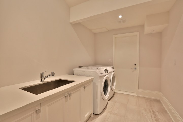 491 Glengarry Avenue - Laundry Room
