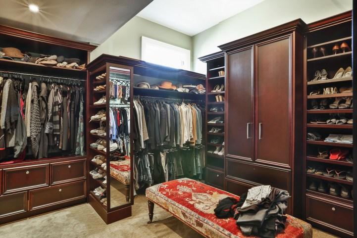 69 Highland Cres - Master Bedroom Closet