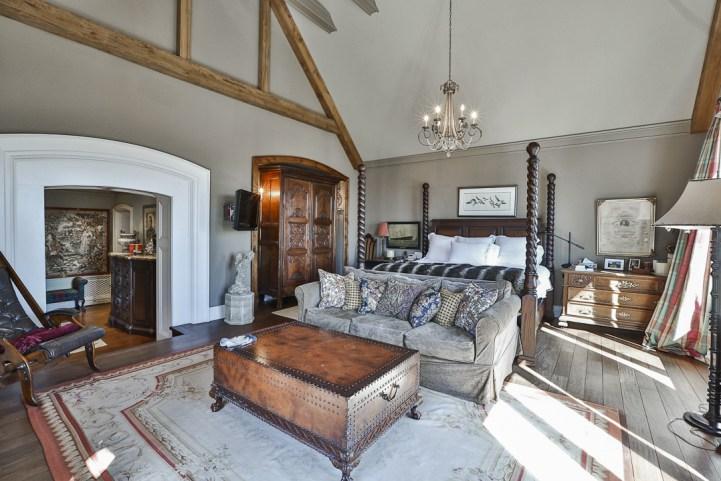 69 Highland Cres - Master Bedroom Sleeping Area