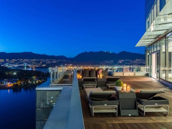 3101 - 277 Thurlow Street, Vancouver, BC - Patio