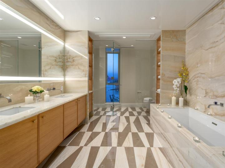 3101 - 277 Thurlow Street, Vancouver, BC - Master Bedroom Bath