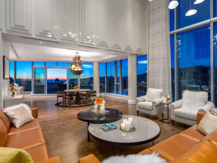 3101 - 277 Thurlow Street, Vancouver, BC - Family Room