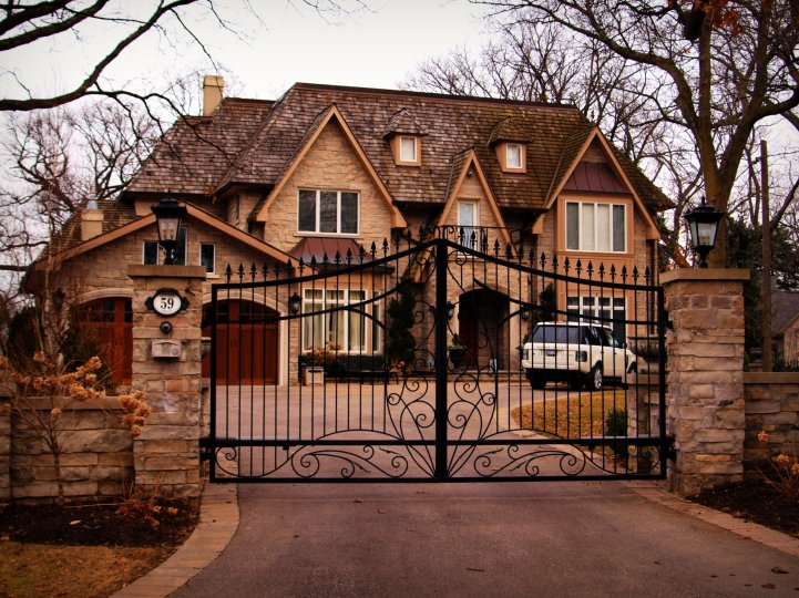 Toronto Luxury Sales Up Almost 75% In April