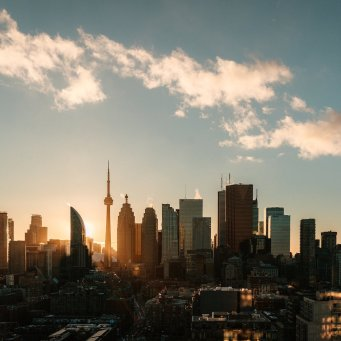 """Toronto Real Estate Sales Crater Causing Prices To Remain """"Virtually Unchanged"""""""