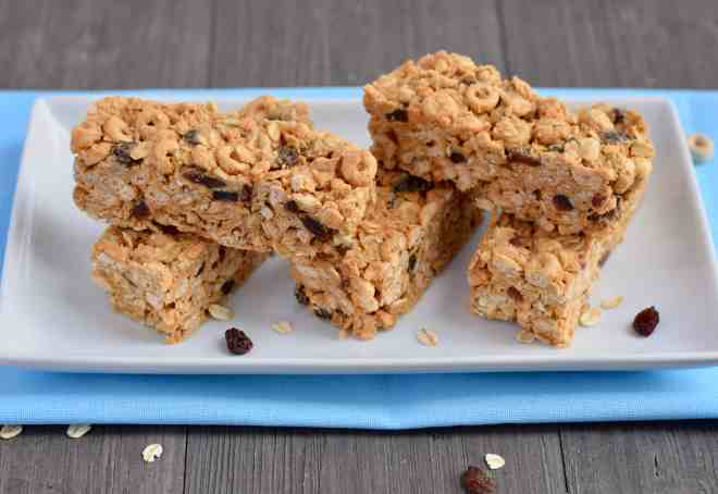 Gluten-free Peanut Butter Cereal Bars can also be vegan.