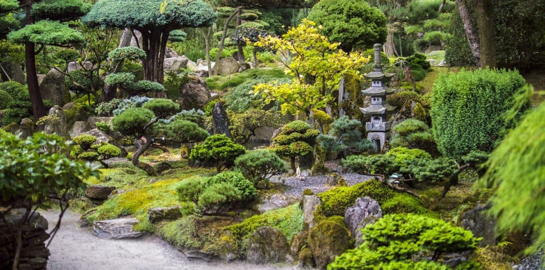 Beautiful Japanese Garden Designs for Small Spaces ... on Backyard Japanese Garden Design Ideas id=31934