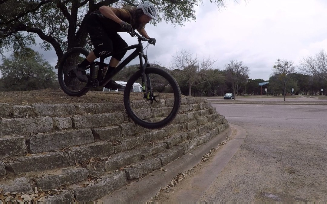 Mountain Bike Steep Rock Rolls, Video Tutorial