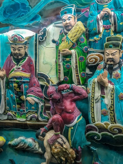Dragon and Tiger Pagodas at Lotus Pond 龍虎塔,蓮池潭 story, day trip journey