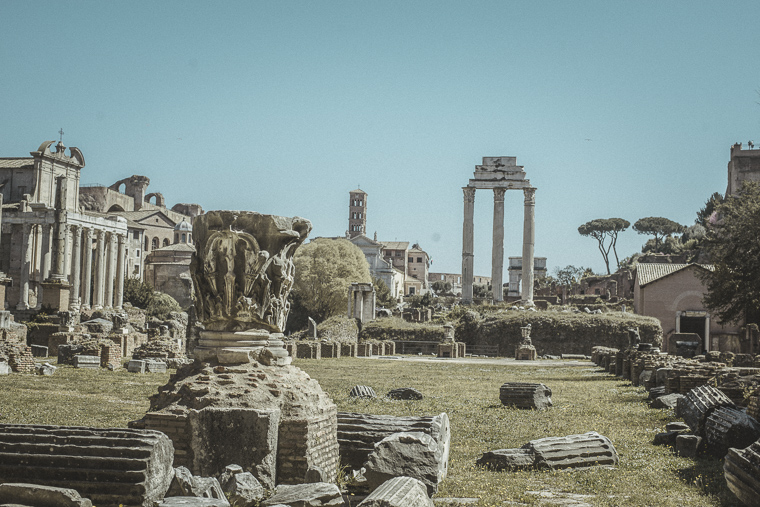 walking in Rome what to see Roman Forum