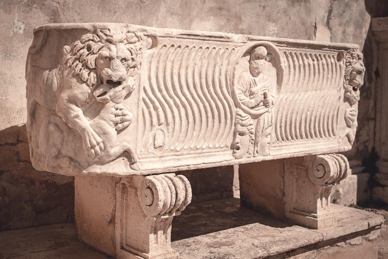 visit Galleria Borghese