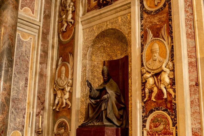 St Peter's Basilica Pope deco