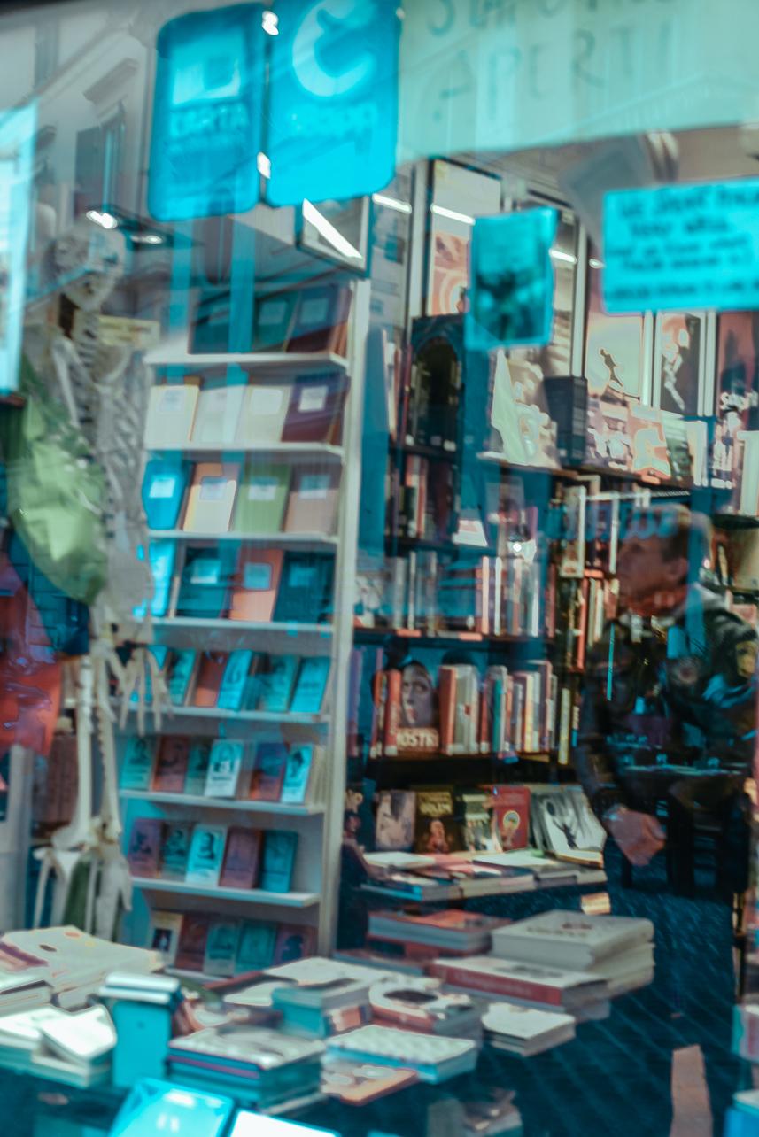 Bookstore recommend Rome Altroquando bookstore