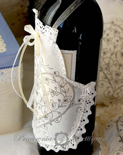 Fartuszek na butelkę do wina