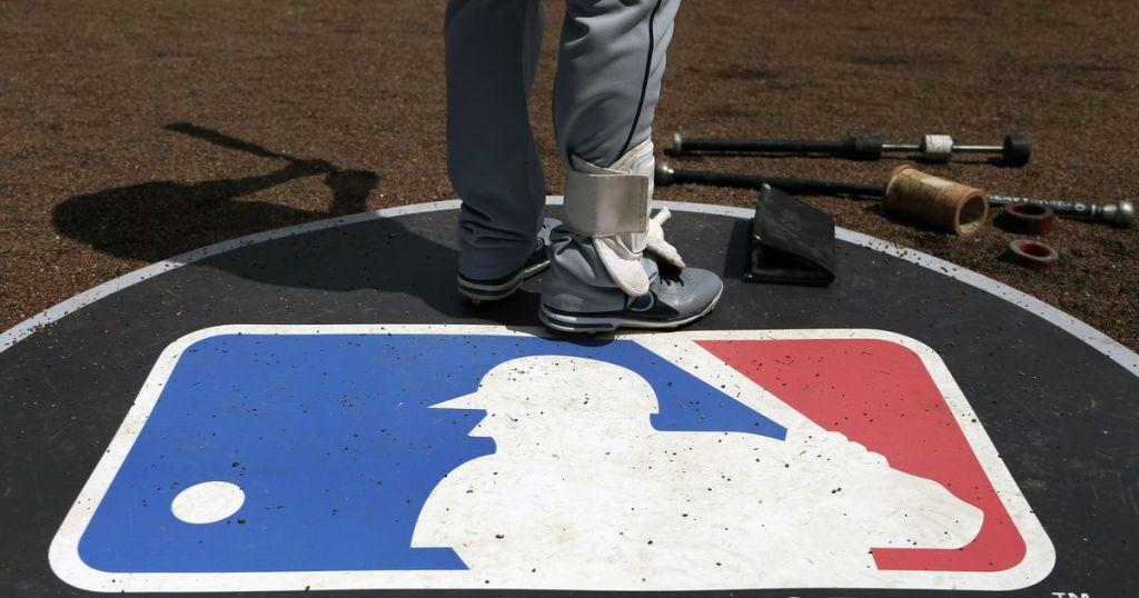MLB creates wood-bat league for draft-eligible prospects