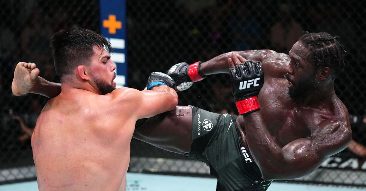Jared Cannonier clears up 'broke' remark after latest UFC win: 'I would like to get paid like an elite-level athlete'