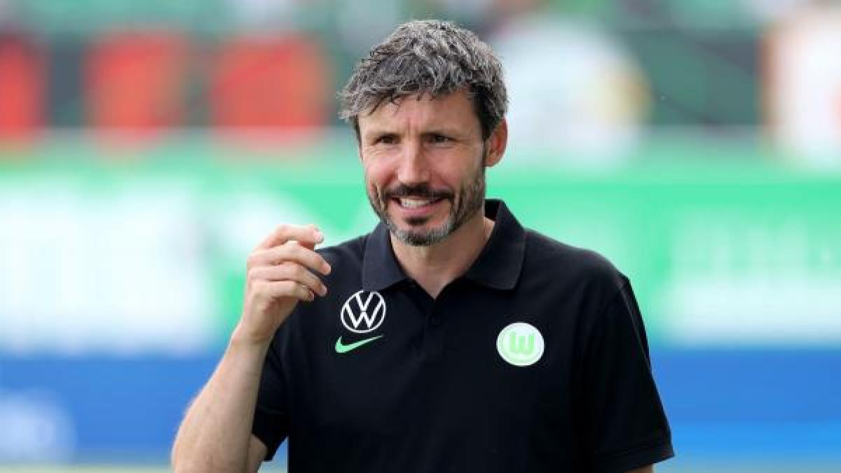 Van Bommel Wolfsburg.jpg