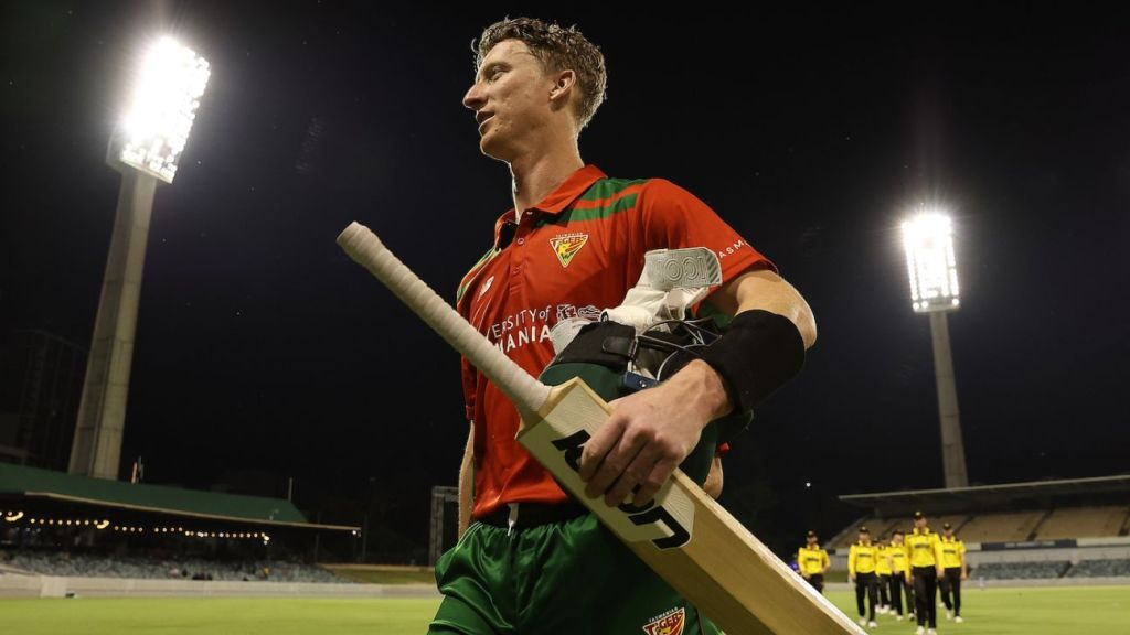Silk 90* helps Tasmania overcome Covid delay and Turner 100 for four-wicket win