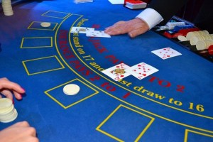 how to play blackjack at a casino