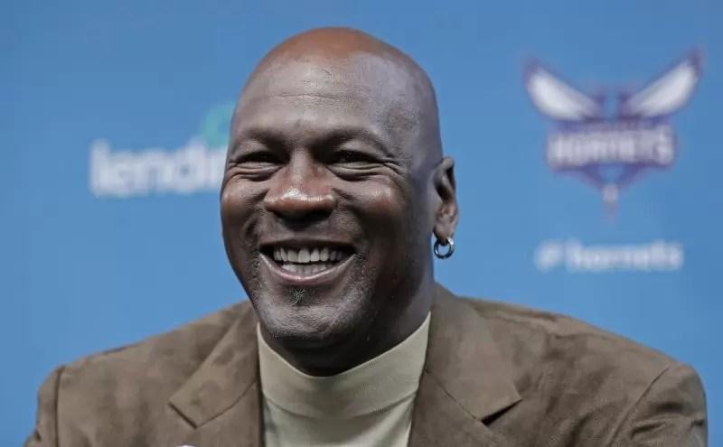 Michael Jordan sells portoin of Hornets to pair of investors