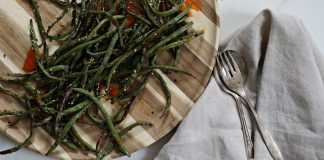 Sweet Chili Green Beans - easiest to prepare side dish. Easiest side dish ever on between carpools