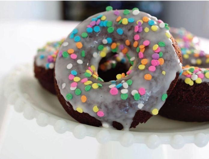 baked donut, baked spelt doughnuts.