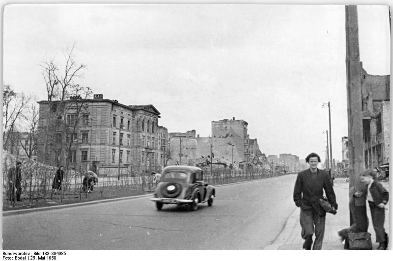 Berlin, Stalinallee, Ruinen, Trümmer