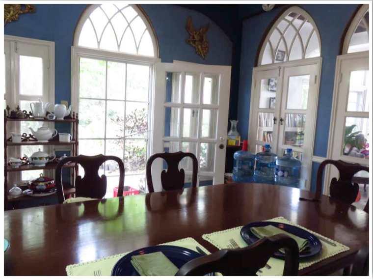 D'Nest Inn Belize City Breakfast Room