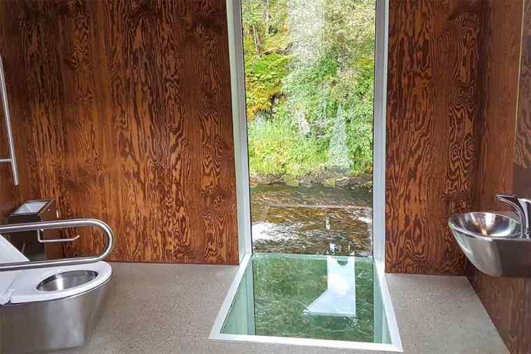 Toilets Skjervsfossen waterfall Norway Jurga