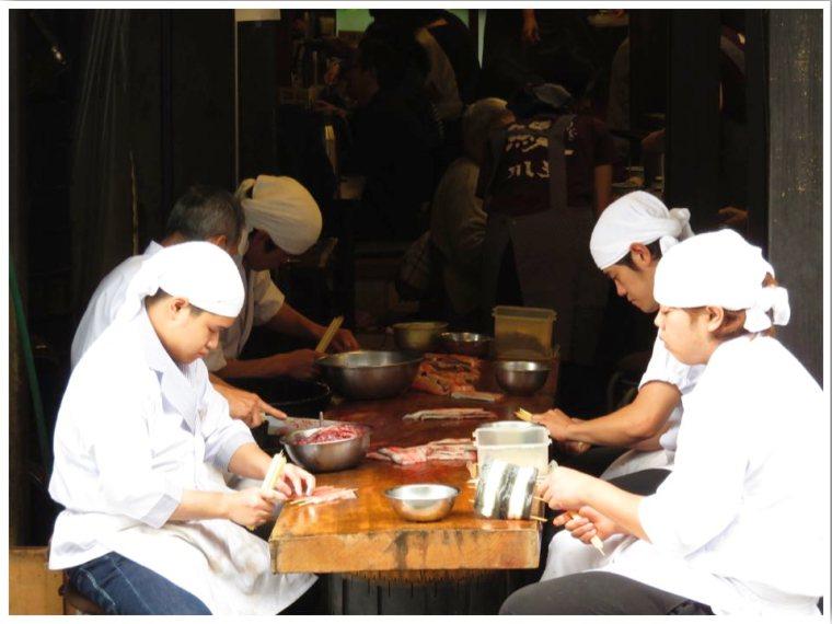 Narita Omotesando Unagi Restaurants Chefs preparing the eel