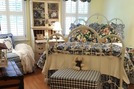 https://i1.wp.com/betweennapsontheporch.net/wp-content/uploads/2016/12/Blue-White-Bedroom-with-Hardwood-Flooring.jpg?resize=450,300