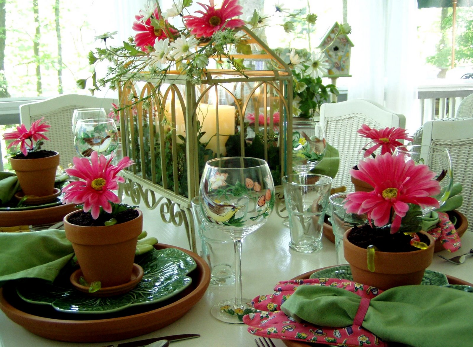 A Garden Party Table Setting, TablesScape on Backyard Table Decor id=79616