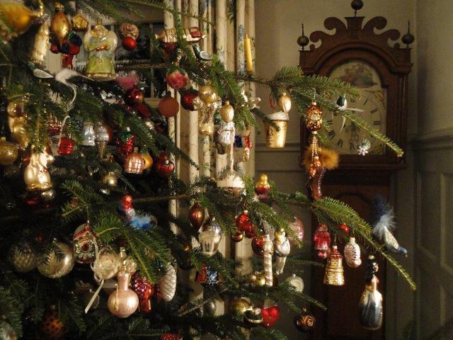 Swiss Christmas Decorations Online