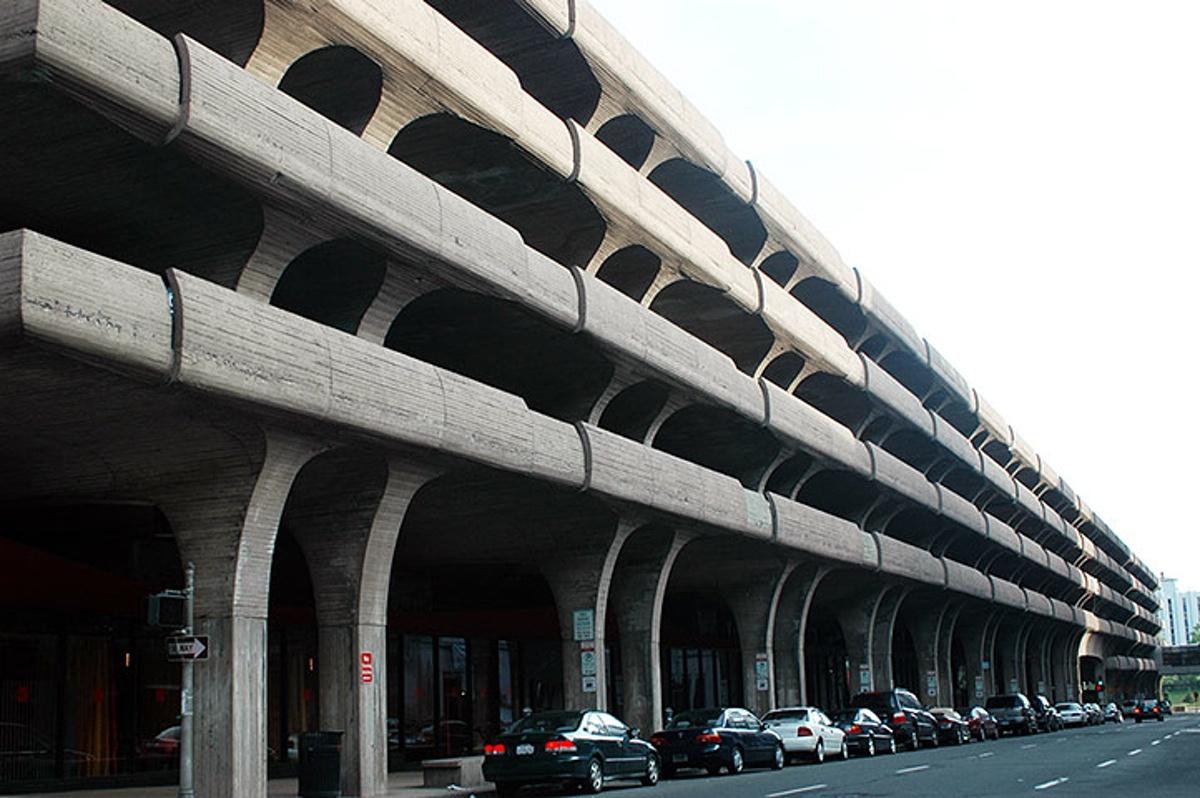 Temple St Parking Garage