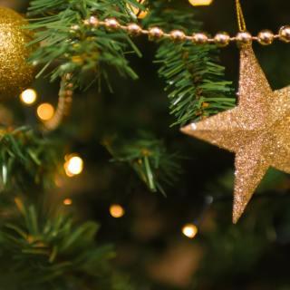 2018 Printable Christmas scavenger hunt clues